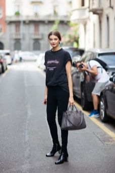 50 How to Wear an Oversized T Shirt Ideas 3