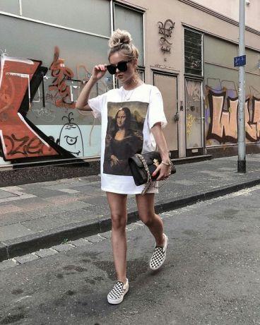 50 How to Wear an Oversized T Shirt Ideas 5