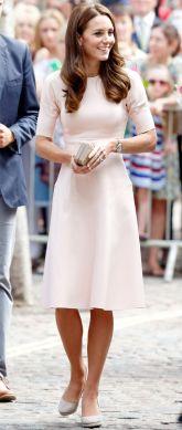 50 Möglichkeiten rosafarbene Outfits Ideen zu tragen 4