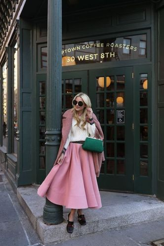 50 Möglichkeiten rosafarbene Outfits Ideen zu tragen 47