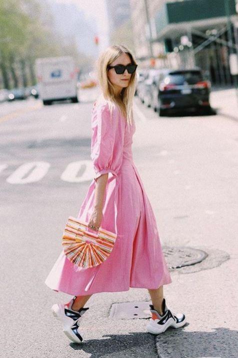 50 Möglichkeiten rosafarbene Outfits Ideen zu tragen 50