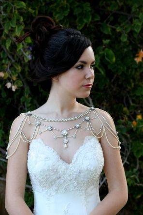 50 Shoulder Necklaces for Brides Ideas 24