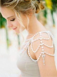 50 Shoulder Necklaces for Brides Ideas 54