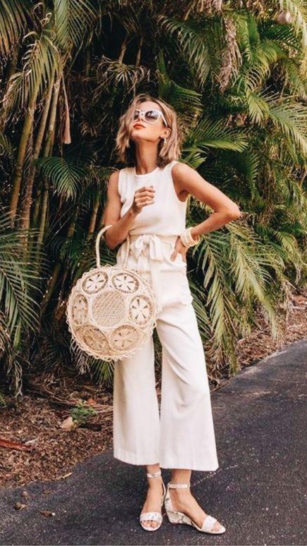 50 White Sleeveless Top Outfits Ideas 13