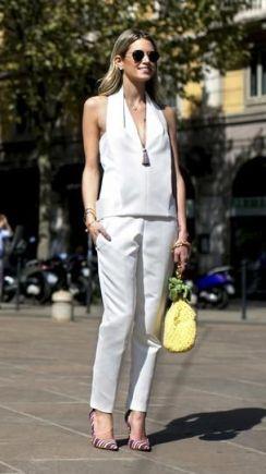 50 White Sleeveless Top Outfits Ideas 3
