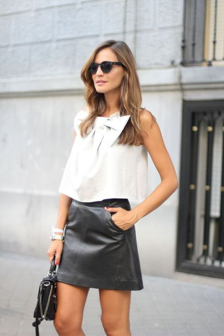 50 White Sleeveless Top Outfits Ideas 53