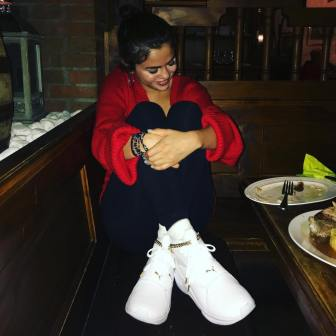 70 Ways Selena Gomes Styles with Sneakers Ideas 1