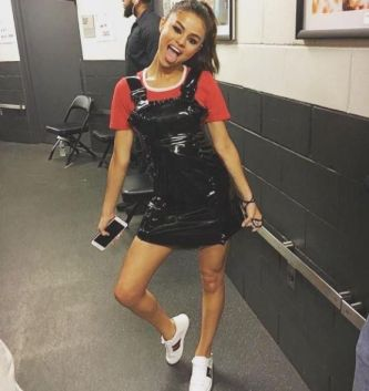 70 Ways Selena Gomes Styles with Sneakers Ideas 11