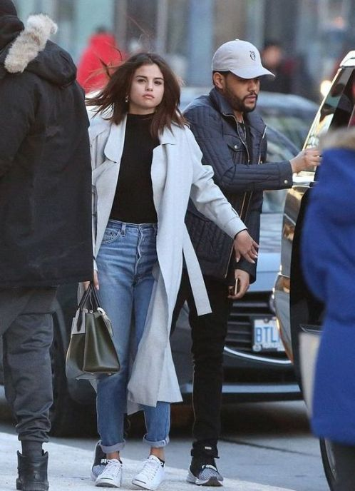 70 Ways Selena Gomes Styles with Sneakers Ideas 24