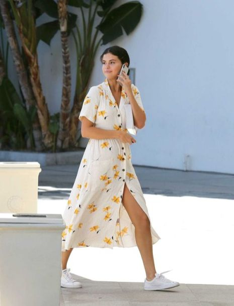 70 Ways Selena Gomes Styles with Sneakers Ideas 30
