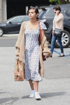 70 Ways Selena Gomes Styles with Sneakers Ideas 40