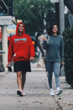 70 Ways Selena Gomes Styles with Sneakers Ideas 5