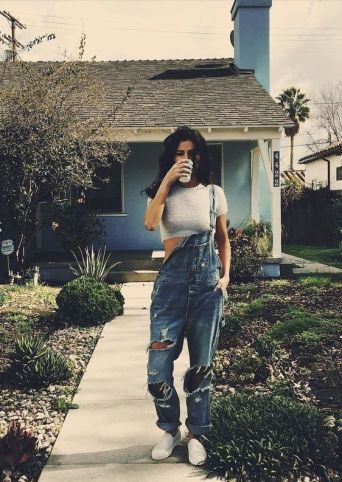 70 Ways Selena Gomes Styles with Sneakers Ideas 53