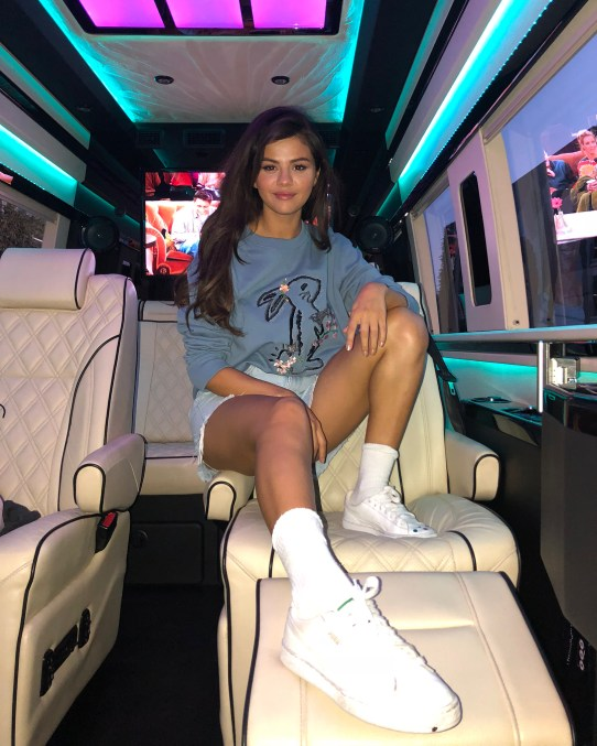 70 Ways Selena Gomes Styles with Sneakers Ideas 65