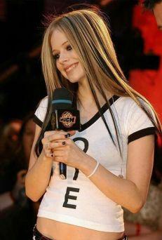 90 Old Avril Lavigne Styles Ideas 16