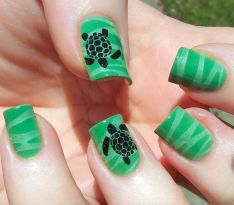 40 Beach Themed Nail Art for Summer Ideas 40