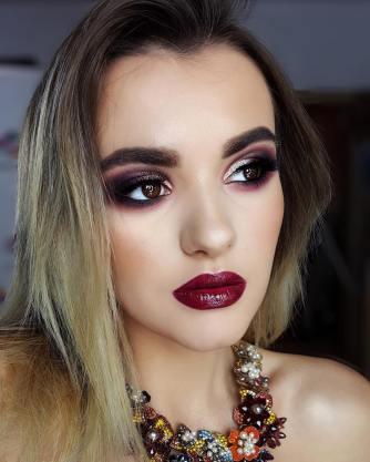 40 Burgundy Makeup Look Ideas 23