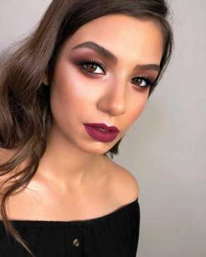 40 Burgundy Makeup Look Ideas 36