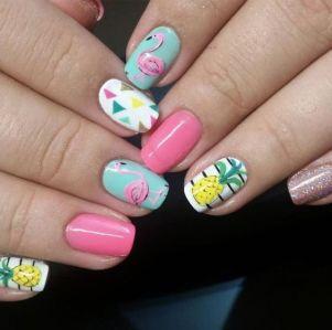 40 Cute Flamingo Themed Nail Art Ideas 1