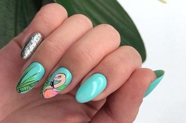 40 Cute Flamingo Themed Nail Art Ideas 43