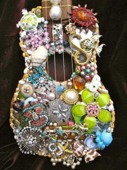 40 DIY Repurpose Old Guitars Ideas 38