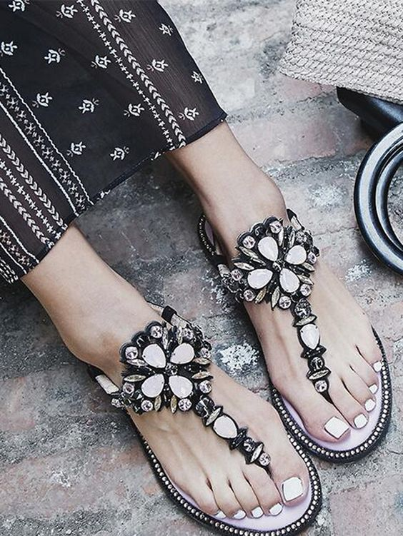 40 Glam Flat Sandals for Summer Ideas 10