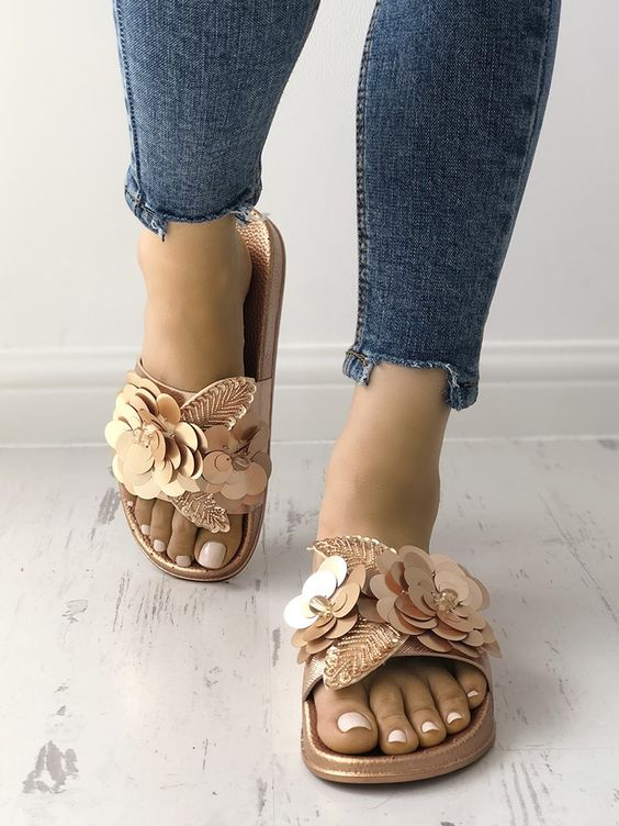 40 Glam Flat Sandals for Summer Ideas 14