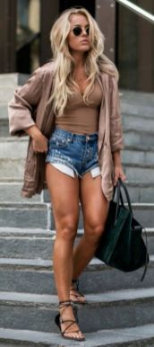 40 Hot pants Outfits for Perfect Summer Ideas 11