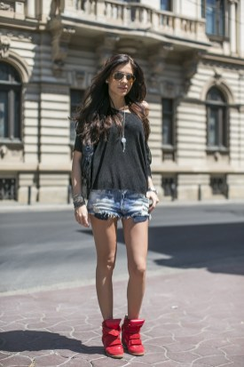 40 Hot pants Outfits for Perfect Summer Ideas 30