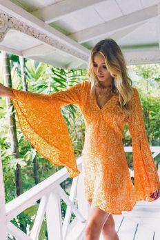 40 Stylish Orange Outfits Ideas 30