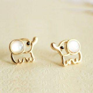 40 Tiny Lovely Stud Earrings Ideas 15