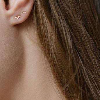 40 Tiny Lovely Stud Earrings Ideas 16