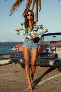 40 Ways to Wear Trendy Fanny Packs for Summer Ideas 17
