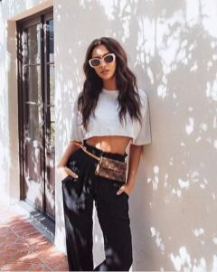 40 Ways to Wear Trendy Fanny Packs for Summer Ideas 32