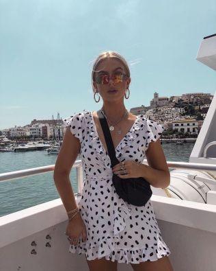 40 Ways to Wear Trendy Fanny Packs for Summer Ideas 33