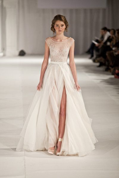 50 Bridal Dresses with Perfect Split Ideas 13 1