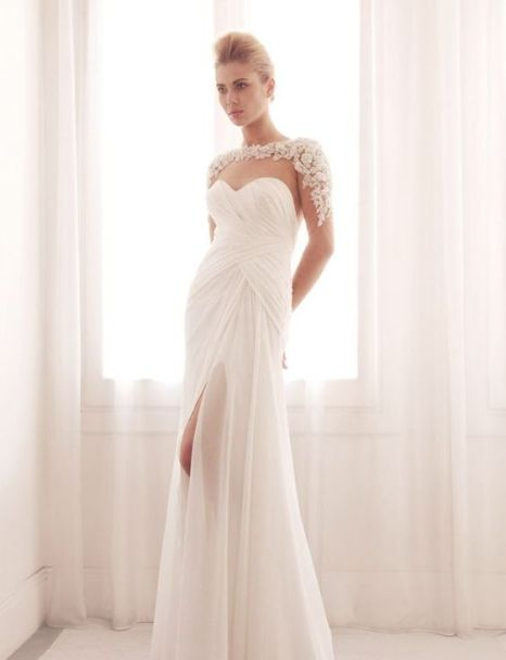 50 Bridal Dresses with Perfect Split Ideas 42