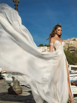 50 Bridal Dresses with Perfect Split Ideas 53