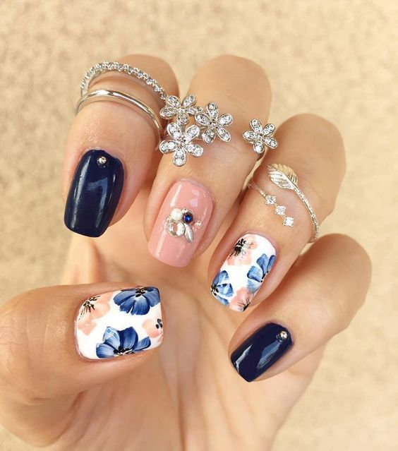 50 Floral Nail Art for Summer and Spring Ideas 20