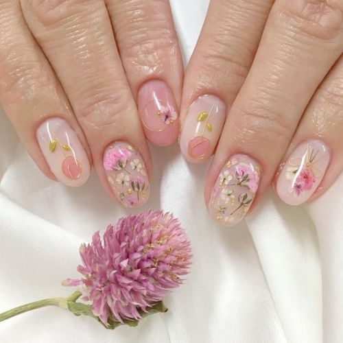 50 Floral Nail Art for Summer and Spring Ideas 28