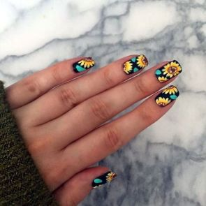 50 Floral Nail Art for Summer and Spring Ideas 29