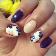 50 Floral Nail Art for Summer and Spring Ideas 30