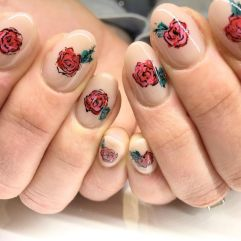 50 Floral Nail Art for Summer and Spring Ideas 47
