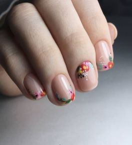 50 Floral Nail Art for Summer and Spring Ideas 7