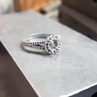 50 Simple Wedding Rings Design Ideas 6