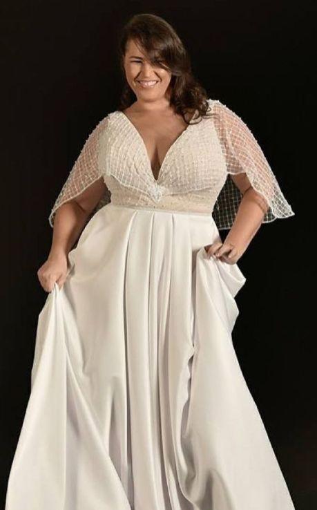 50 V Neck Bridal Dresses for Plus Size Ideas 13