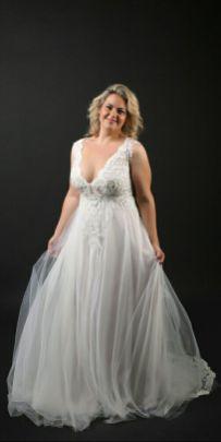 50 V Neck Bridal Dresses for Plus Size Ideas 17