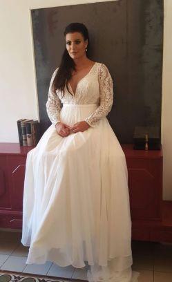 50 V Neck Bridal Dresses for Plus Size Ideas 26
