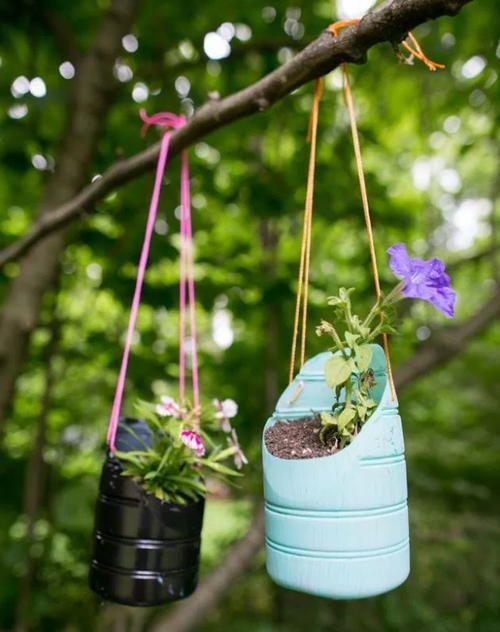 50 Ways to Reuse Plastic Bottles to Cute Planters Ideas 26