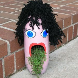 50 Ways to Reuse Plastic Bottles to Cute Planters Ideas 43